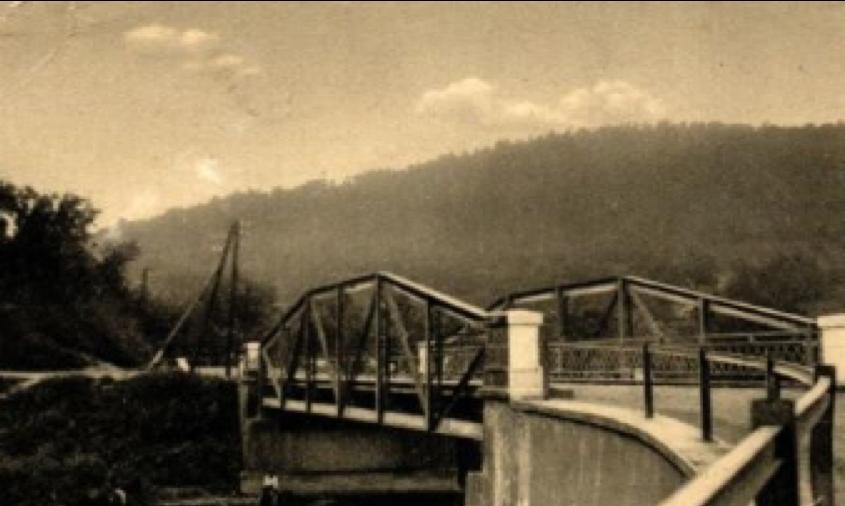 Most v obci Stakčín, neskôr zničený nemeckým vojskom