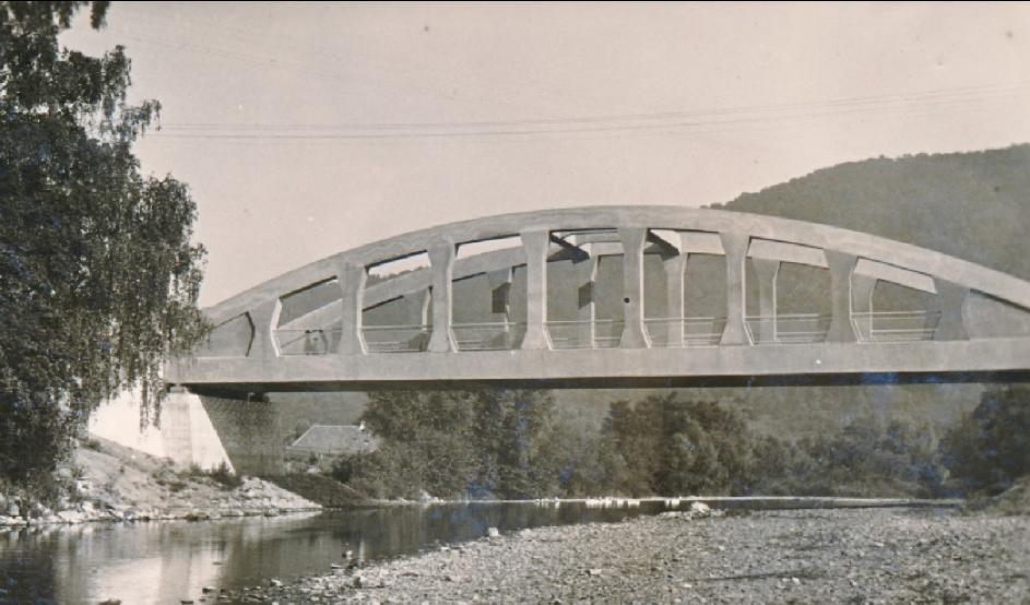 Most v meste Snina, neskôr zničený nemeckým vojskom